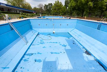 Mantenimiento de piscinas conserjes madrid for Mantenimiento de piscinas madrid